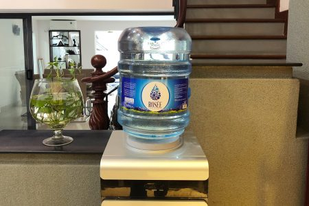 Nước tinh khiết Rosée Water - sản phẩm mới của Nước Đá Hồng Phúc vừa tung ra thị trường