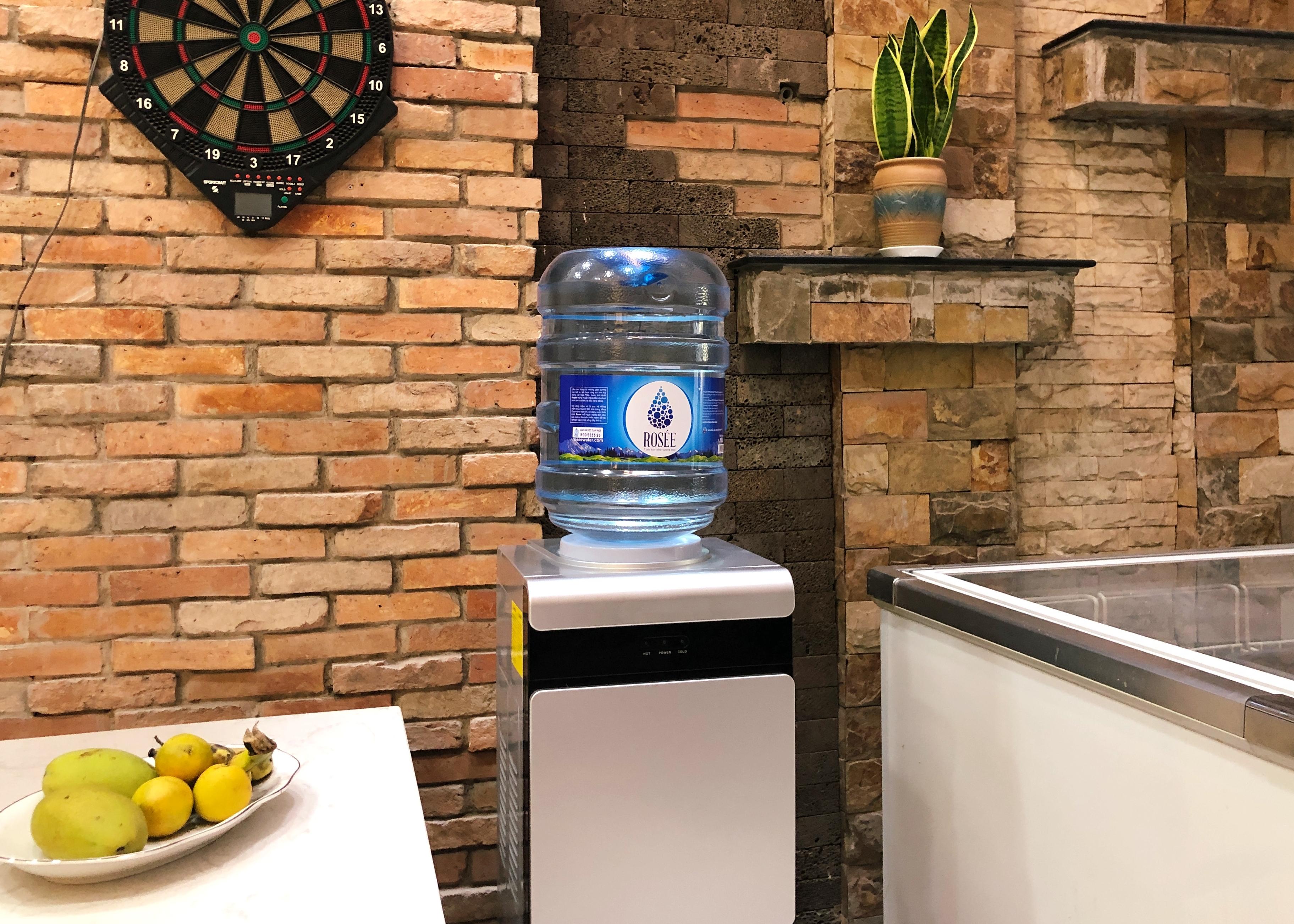 Nước Đá Hồng Phúc ra mắt nước tinh khiết thương hiệu Rosée Water
