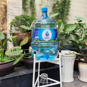 Nước Đá Hồng Phúc khẳng định thương hiệu, lấn sân sang nước tinh khiết với sản phẩm Rosée Water